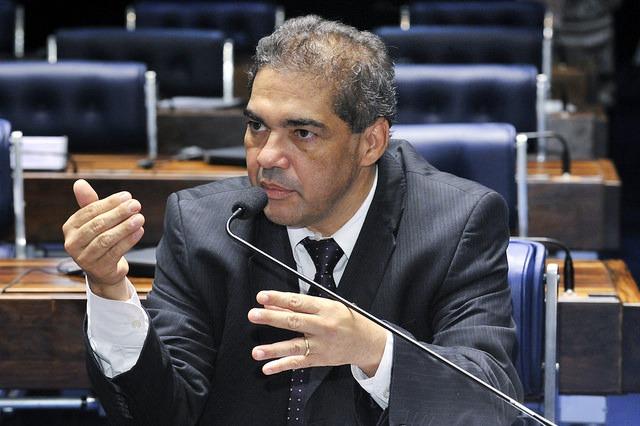 Senador Hélio José segue firme com a pretensão de se eleger deputado federal