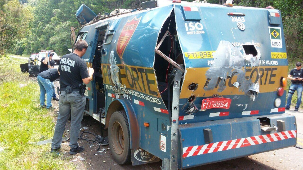 Aumentou os ataques a carros-fortes e a bancos em 2017 no Brasil