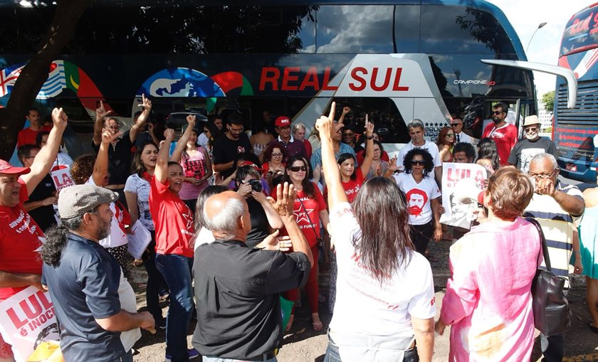 PT-DF envia militantes para o julgamento de Lula em Porto Alegre