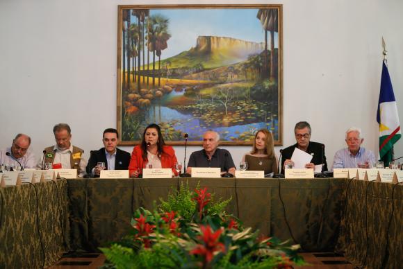 Temer anuncia em Roraima grupo para tratar da crise migratória dos venezuelanos