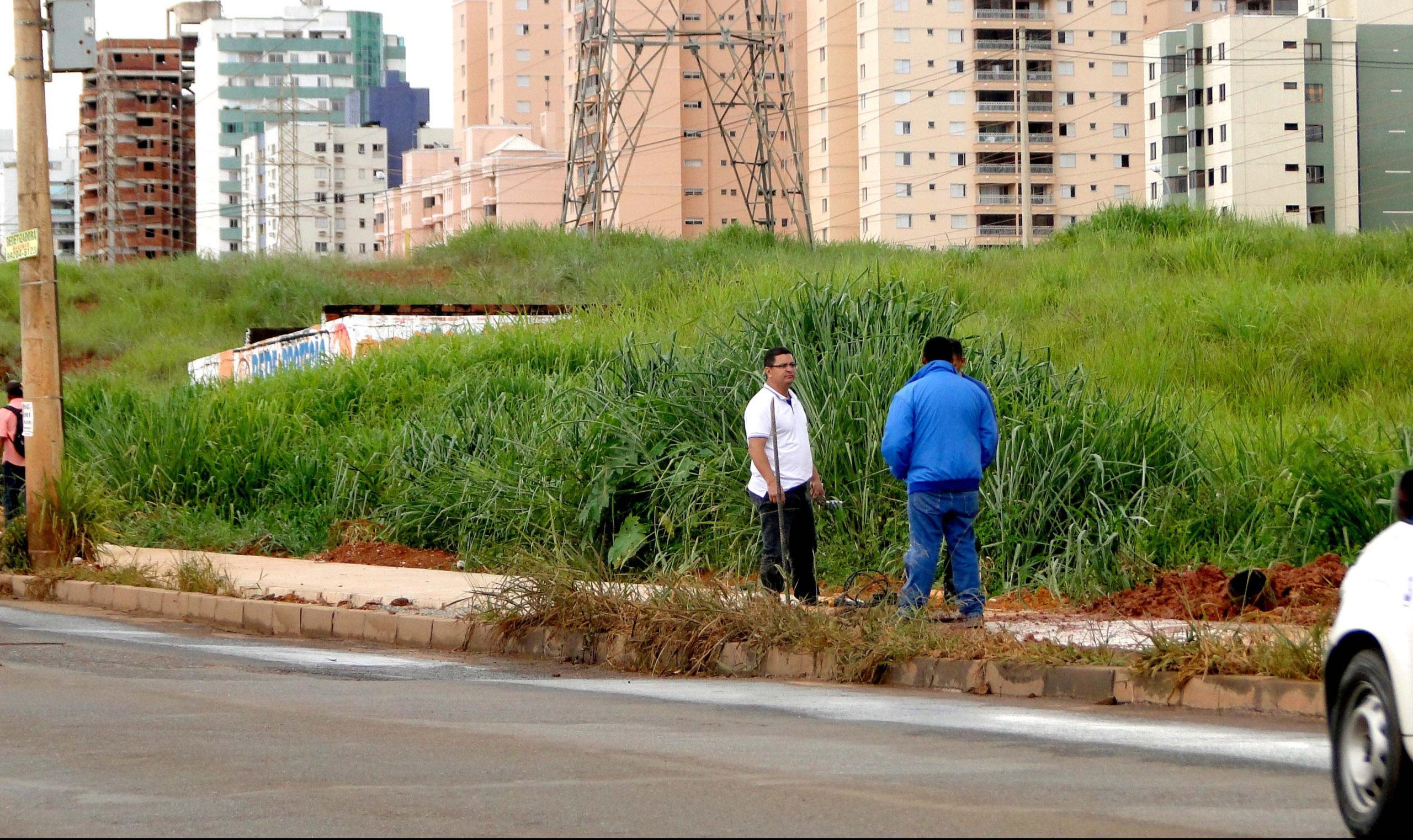 Calçada em Águas Claras passa por reparo antes de ser entregue