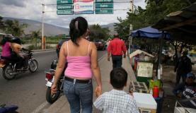 Temer assina MP com ações emergenciais para venezuelanos em Roraima