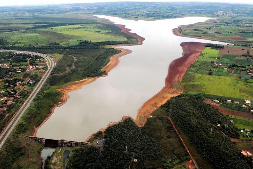 "Adasa alerta brasiliense para manter uso ""consciente"" da água"