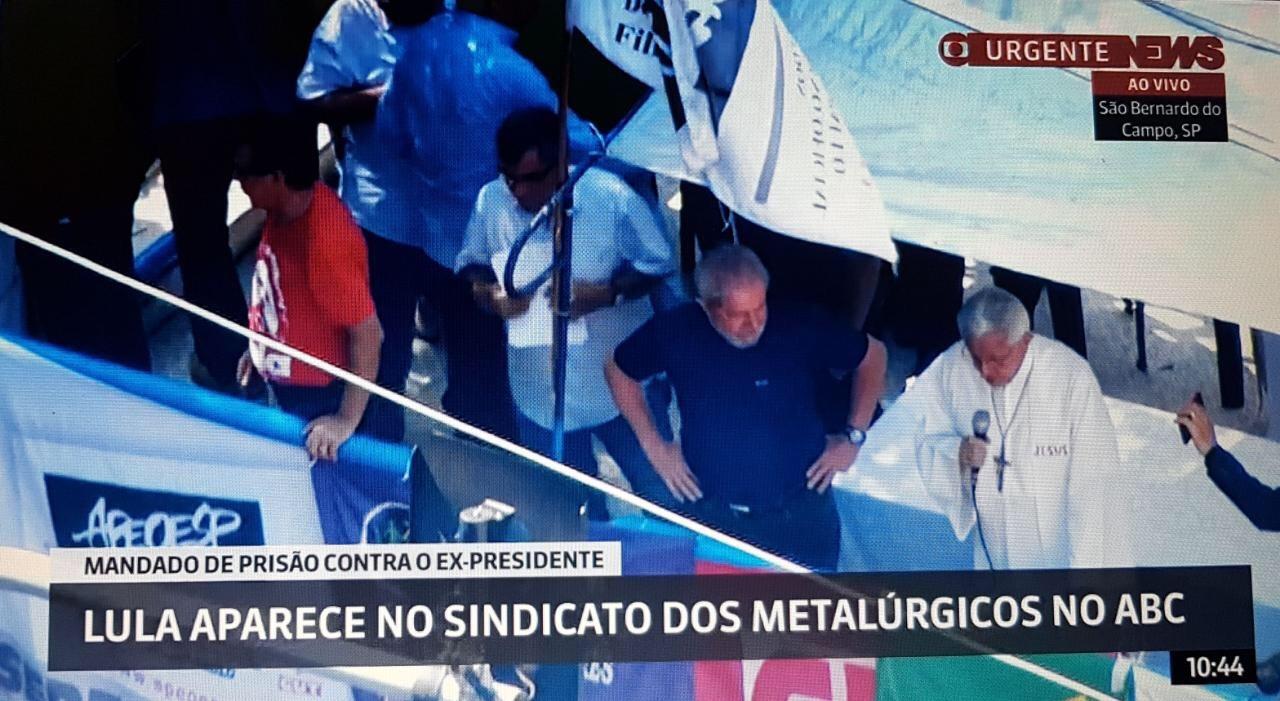 Lula participa de missa em frente ao Sindicato dos Metalúrgicos do ABC e tem novo HC negado pelo STF