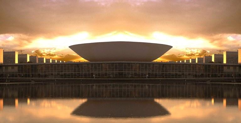 Deputados Izalci (PSDB) e Rogério Rosso (PSD) promovem sessão solene na Câmara Federal em comemoração aos 58 anos de Brasília