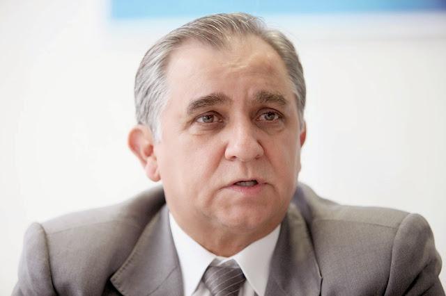 Deputado Izalci (PSDB) tem celular clonado e movimentações suspeitas em sua conta bancária