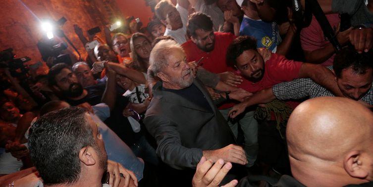 Prefeitura de Curitiba reitera pedido de transferência de Lula da PF