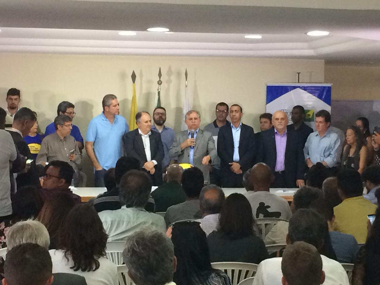 E o mistério acabou! Izalci Lucas (PSDB) é o candidato a governador da Terceira-Via