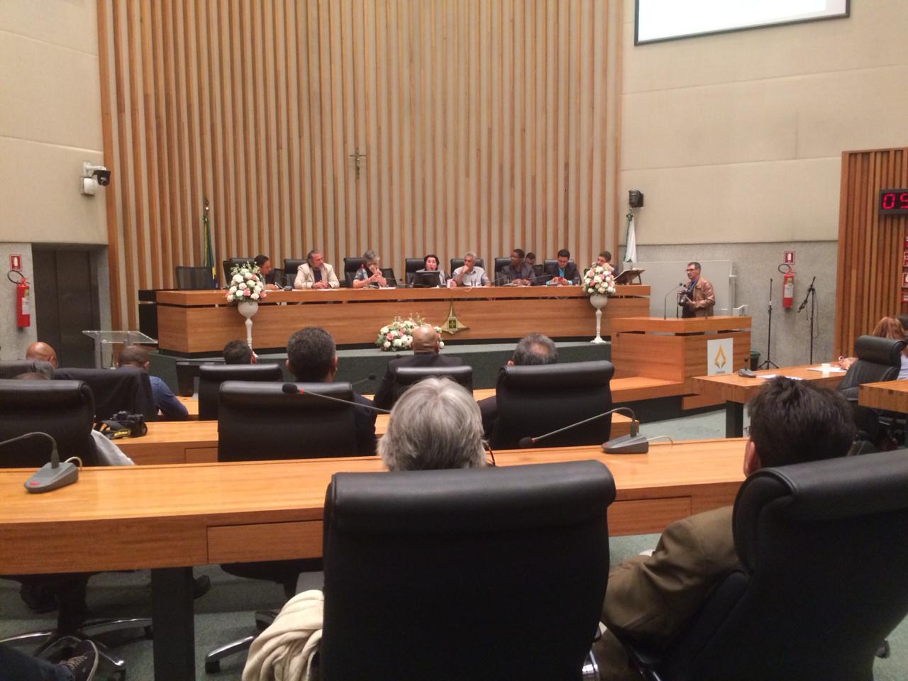 Blogueiros são homenageados em sessão solene na Câmara Legislativa