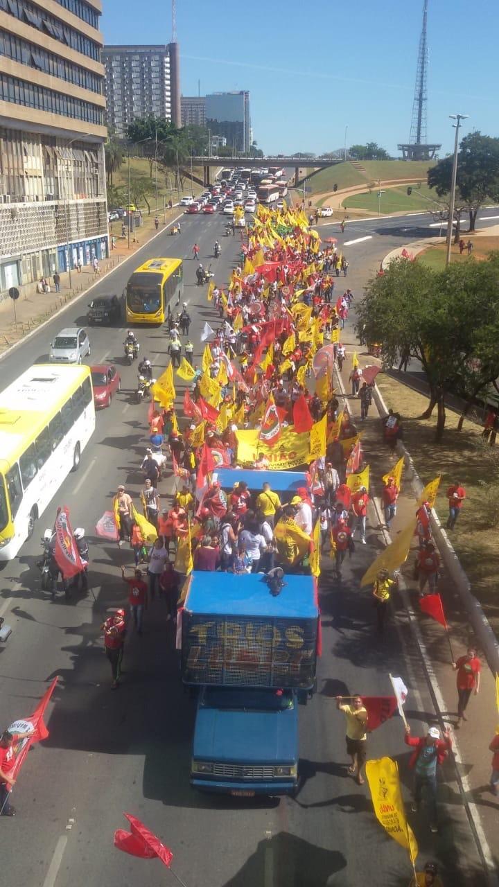 Entidades de luta por moradia popular promoveram marcha no Eixo Monumental