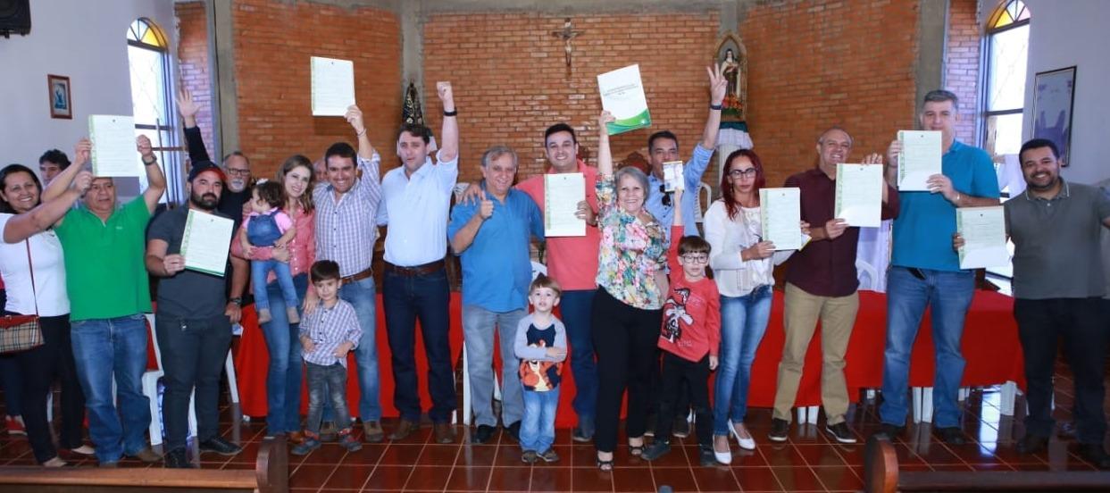 Izalci participa de entrega de documentos de regularização fundiária nos Incra 7 e 9