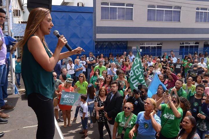 O Fino da Política – Flávia Arruda vem monstrando a que veio para os eleitores do DF