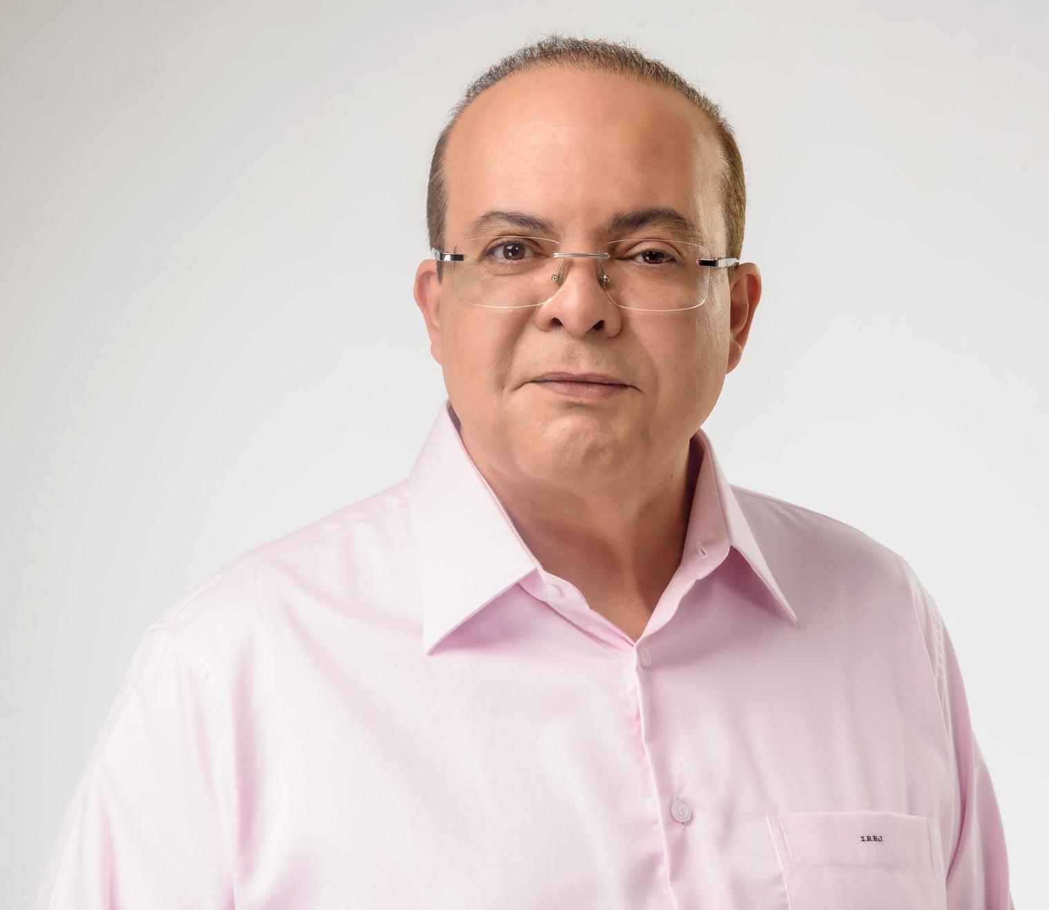 Ibaneis promete refazer, com verba dele, casas demolidas pela Agefis