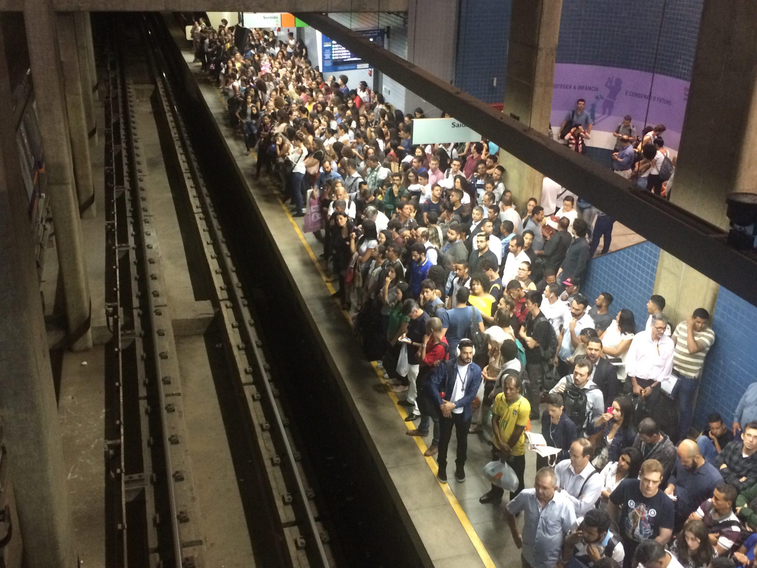 Pane em vagão do metrô em Águas Claras suspende operação do sistema