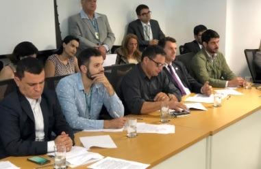 Ibaneis convence deputados distritais a realizarem Sessão Extraordinária para votar mudanças na área da saúde e segurança pública