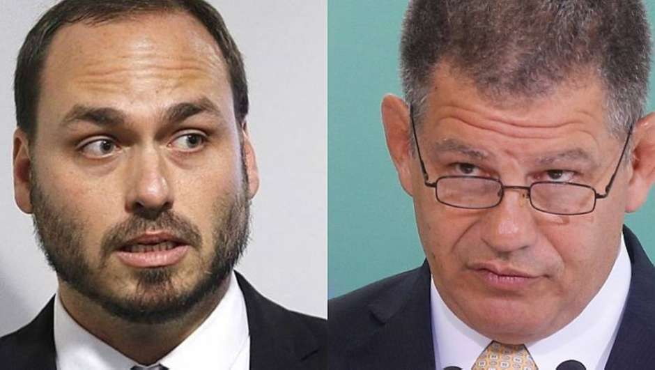 Bolsonaro concorda em afastar Carlos de questões do governo