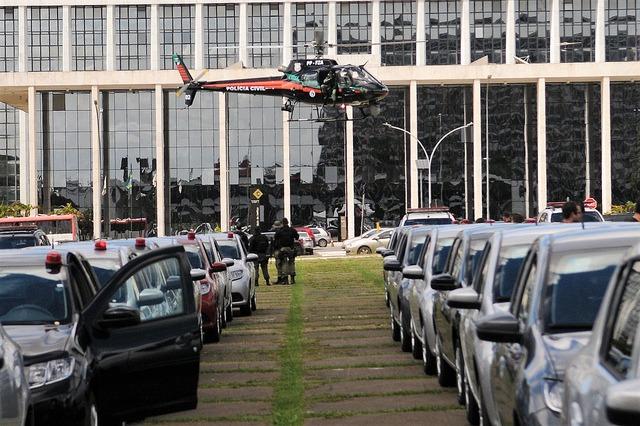 GDF entrega 109 novas viaturas à Polícia Civil