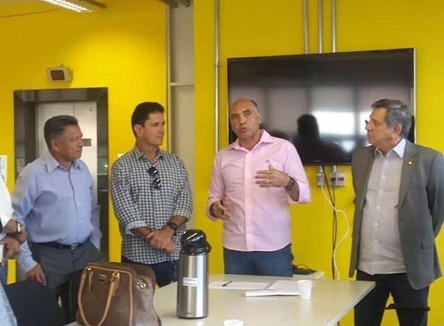 Filippelli apoia reivindicações de dirigentes de entidades habitacionais junto à Codhab