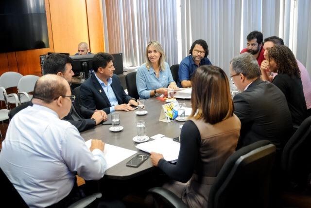GDF quer avançar nas negociações com professores da rede pública