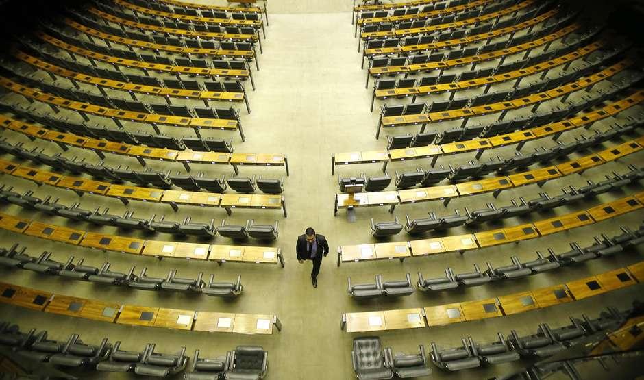Considerados partidos tradicionais, MDB, PSDB e PT perdem protagonismo na Câmara e no Senado