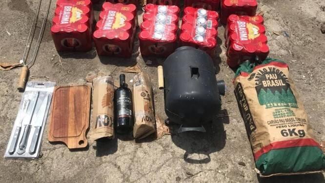 PM no Rio tenta entrar com material para churrasco na cadeia onde o ex-governador Pezão está preso