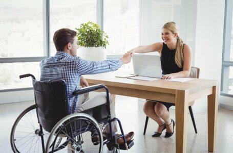 Acordo entre Sejus e Setrab vai ampliar oferta de emprego para pessoa com deficiência no DF