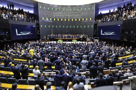 Deputados condicionam avançar com a reforma da Previdência com a chegada da proposta dos militares na Câmara