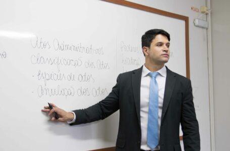 Professor lança método inovador para aprovação em concurso público