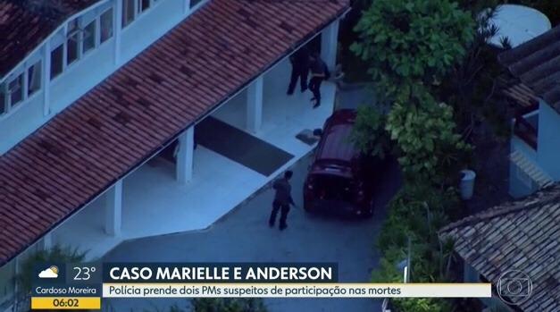 Ex-PMs são presos no Rio suspeitos de executarem Marielle e motorista