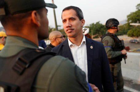 Juan Guaidó anuncia apoio dos militares para derrubar Maduro