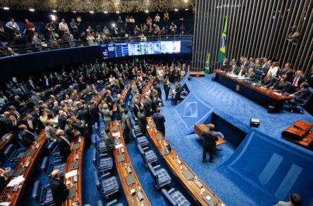 Senadores querem impeachment de Toffoli e Moraes