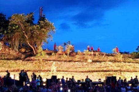 Milhares de pessoas assistem Via de Sacra em Planaltina