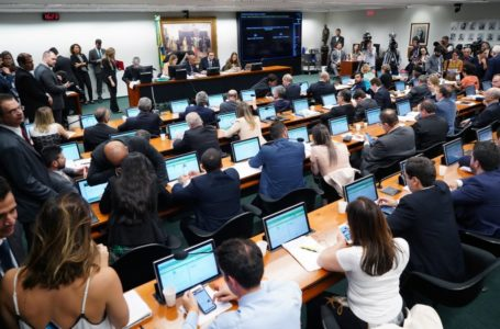Deputados, mais uma vez, demonstram que não estão fechados com Bolsonaro