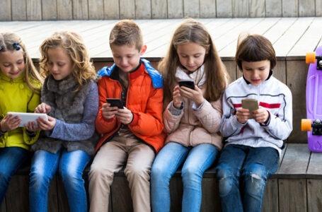 Dependência digital prejudica saúde de adolescentes