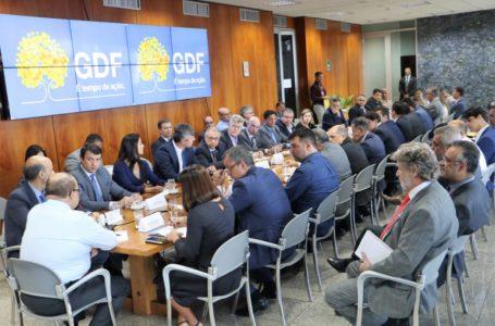 Ibaneis cobra mais empenho de secretários para fomentar a geração de empregos no DF
