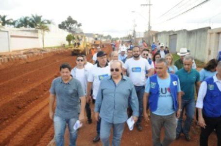 Governador Ibaneis Rocha fiscaliza obras em Vicente Pires