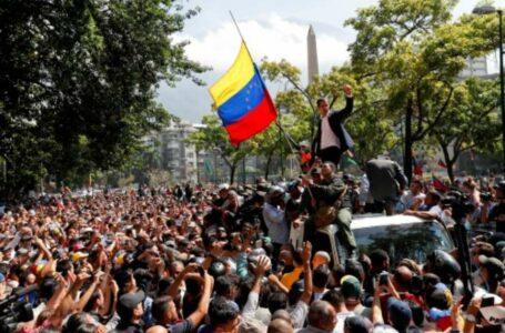 Guaidó convoca venezuelanos para que saíam as ruas neste 1º de maio