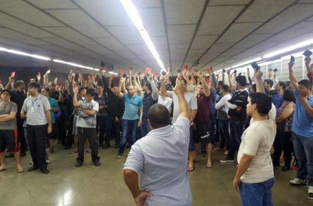 Metroviários terão benefícios cortados e ameaçam voltar com a greve