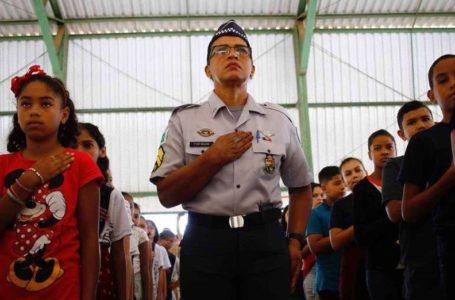 Aluno é esfaqueado na porta de escola em Samambaia que votou contra a gestão compartilhada com militares