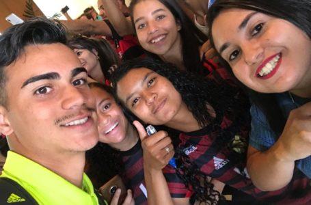 Taça das Favelas leva atletas para assistirem ao jogo no Mané Garrincha