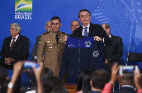 Bolsonaro lança programa para escolas cívico-militares e anuncia a implantação de 216 escolas até 2023