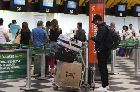 VAI TER QUE PAGAR | Congresso segue Bolsonaro e mantém cobrança de bagagens despachadas