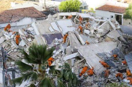 TRAGÉDIA | Bombeiros confirmam duas mortes em desabamento de prédio em Fortaleza