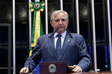REFORÇO NO ORÇAMENTO   Senador Izalci Lucas pede apoio a projeto que garante R$ 9 bi para a educação