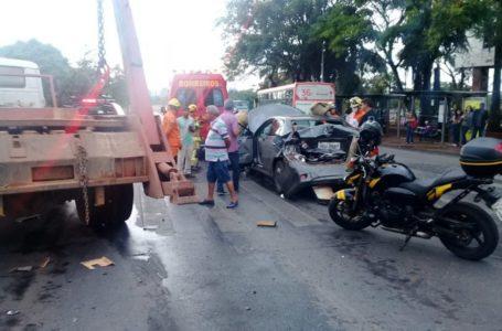 DF | Chuvas isoladas e acidentes deixam trânsito congestionado na manhã desta terça-feira