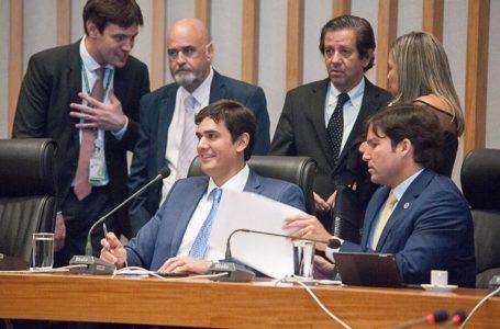 POR 18 A 5 | Distritais aprovam projeto que permite a reeleição do presidente da CLDF