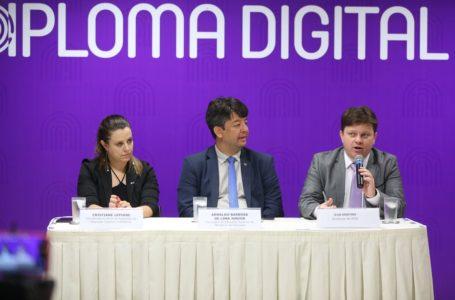 INOVAÇÃO | Governo anuncia versão digital de diplomas com custo 80% menor