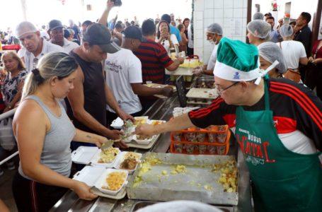 CIDADANIA | Nosso Natal serve 46 mil refeições em 14 restaurantes comunitários