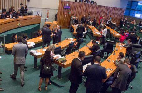 MENOS IMPOSTO | Projeto do Executivo que reduz impostos da cesta básica é aprovado pela CLDF