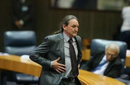 """ATÉ TU MARQUITO   Juiz determina a quebra do sigilo bancário de assistente de palco de Ratinho por suspeita de """"rachadinha"""" na Câmara de São Paulo"""